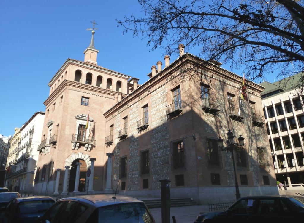 Casa de las siete chimeneas en madrid castillos en espa a - La casa de la chimenea ...